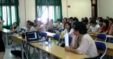 GĐ Chi nhánh MP Đà Nẵng giao lưu, trao học bổng cho SV Khoa Nhật - ĐH Ngoại ngữ Đà Nẵng