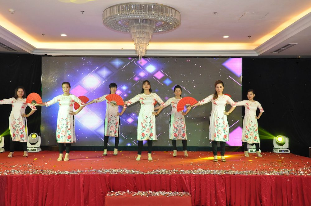 tiet-muc-van-nghe-year-end-party-2019-hcm-01